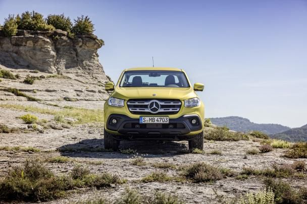 front view of the Mercedes-Benz X-Class
