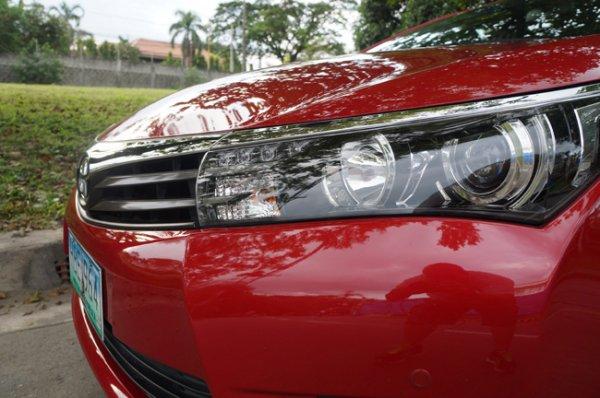 Toyota Corolla Altis 2.0 V headlight