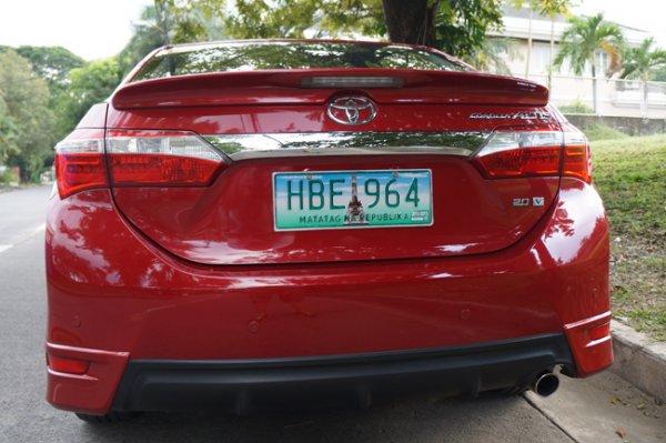 Toyota Corolla Altis 2.0 V rear view