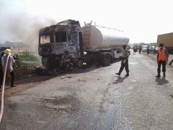 oil tanker crash on Lagos-Ibadan expressway