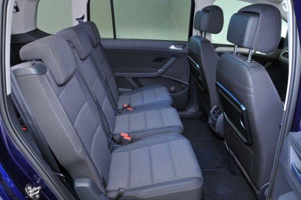 2017 Volkswagen Touran back seats