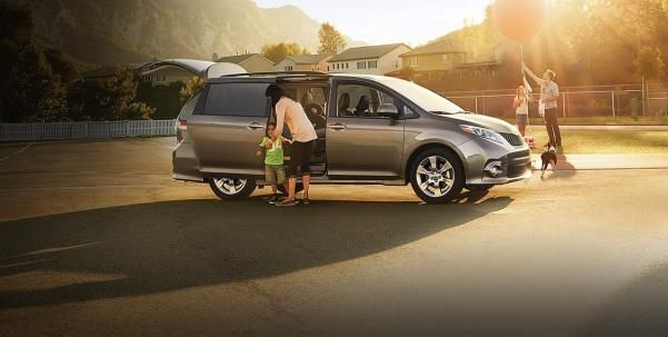 A family using their Sienna
