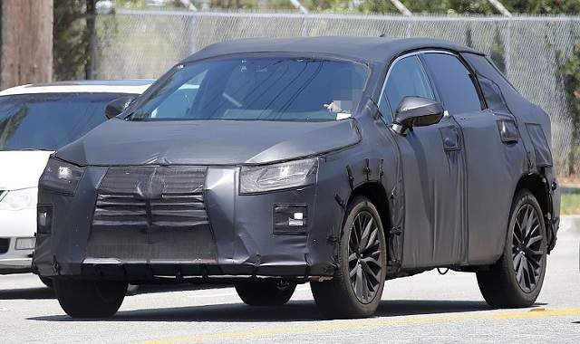 Angular front of a spied 3-row Lexus RX 350L 2018