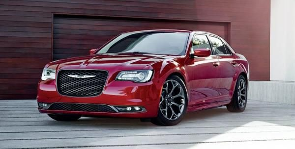 Angular front of a red Chrysler 300