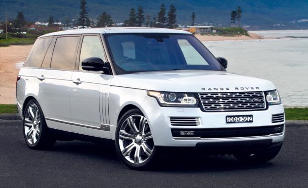 Angular front of a Range Rover Svautobiography 2018