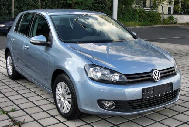 Angular front Volkswagen Golf