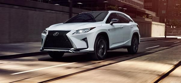 The angular front Lexus RX350