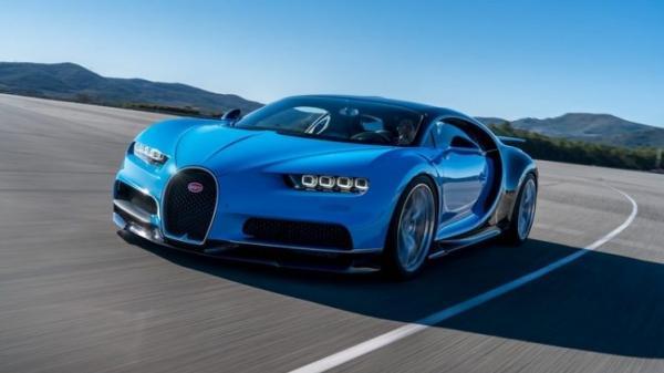 Angular front of a 2018 Bugatti Chiron