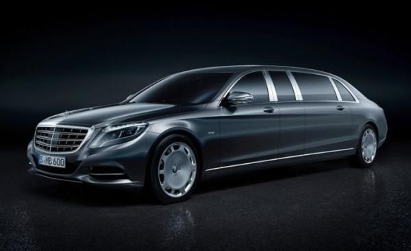 Angular front of a 2018 Mercedes-Benz S600 Pullman Maybach Guard