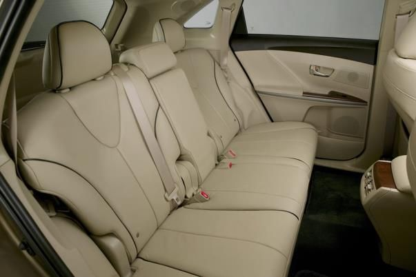 The Toyota Venza 2010 back seats