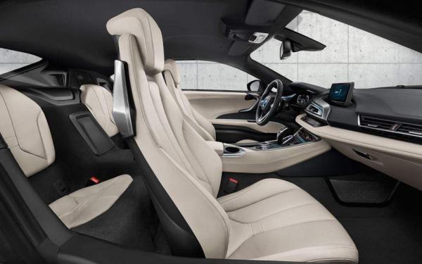 BMW i8 2018 interior