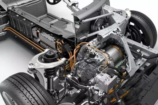 BMW i8 2018 engine