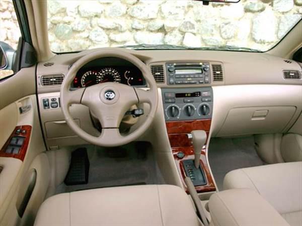 Toyota Corolla 2006 dashboard