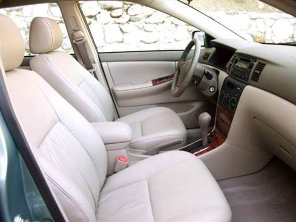 Toyota Corolla 2006 front seats