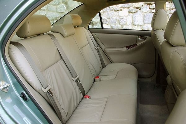 Toyota Corolla 2006 rear seats