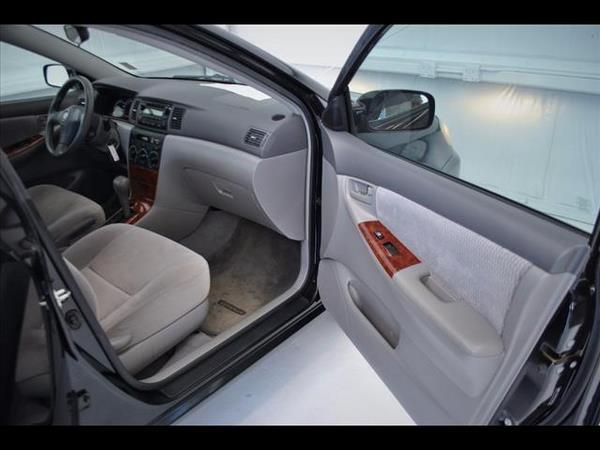 Toyota Corolla 2006 interior