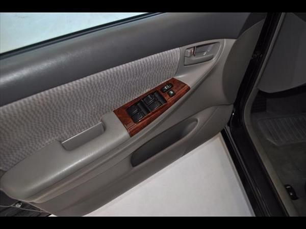 Toyota Corolla 2006 door panel