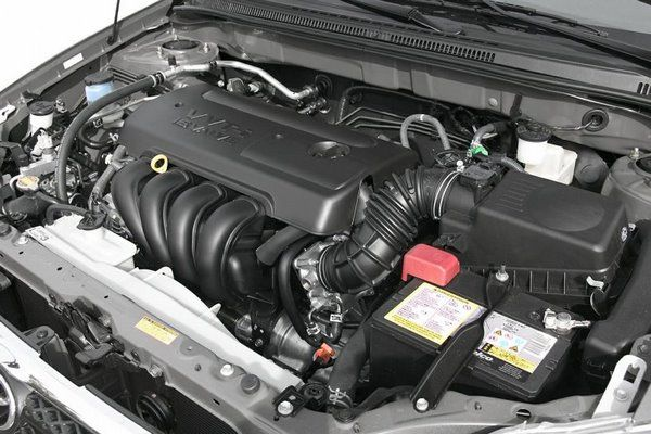 Toyota Corolla 2006 engine