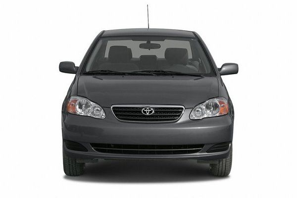 Toyota Corolla 2006 front view
