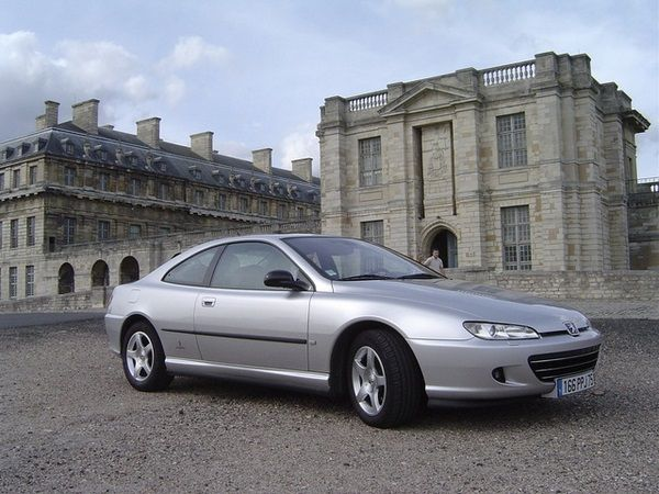 The Peugeot 406 2004 profile look
