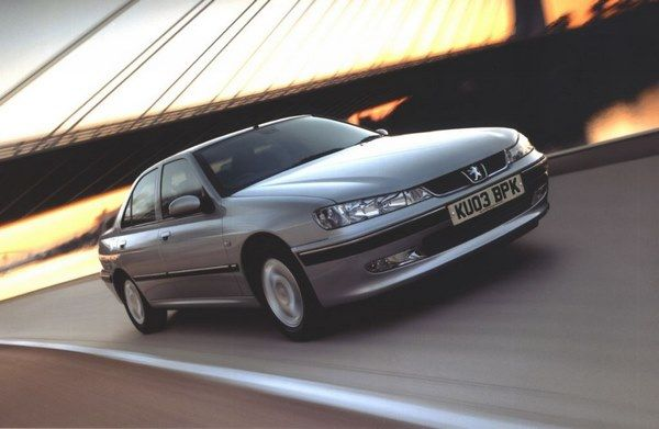 The Peugeot 406 2004 in motion