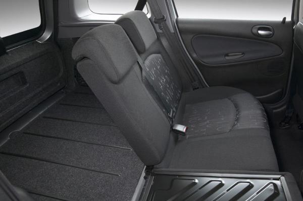 Peugeot 206 2004 interior
