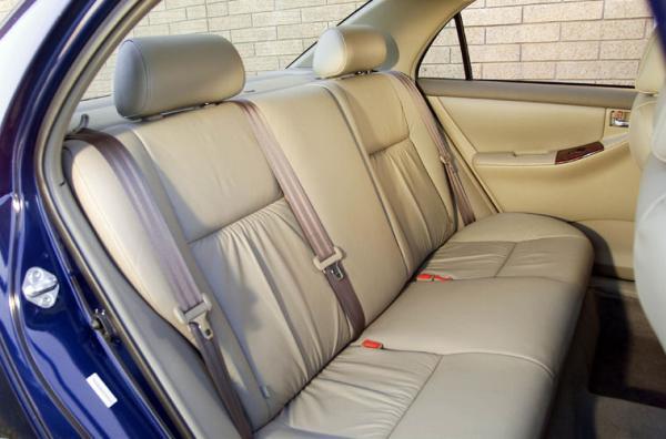 Toyota Corolla 2003 seating