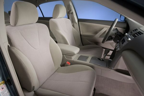The Toyota Camry 2010's front seats