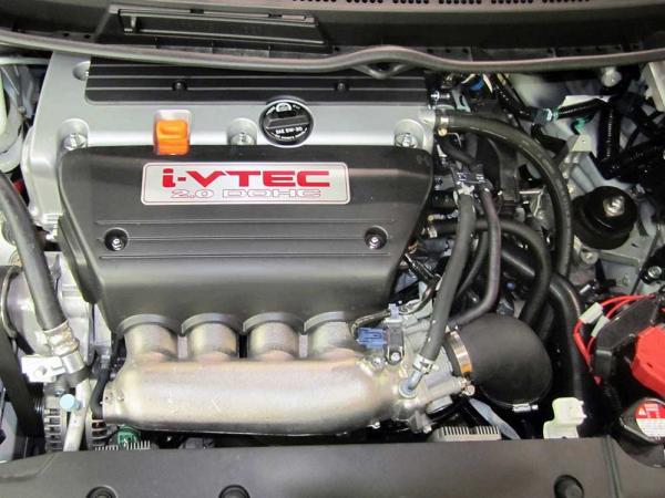 a 2.0 L, 114 kW DOHC i-VTEC engine