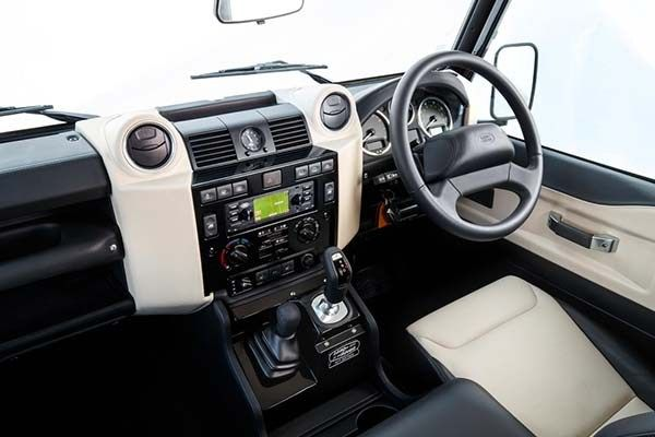 Land Rover Defender 2018 interior