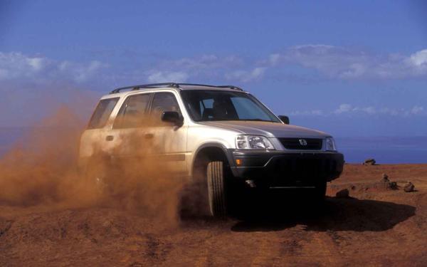 Honda CR-V 2005 on the road