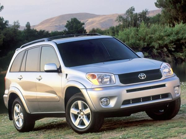 The Toyota RAV4 2005 angular front