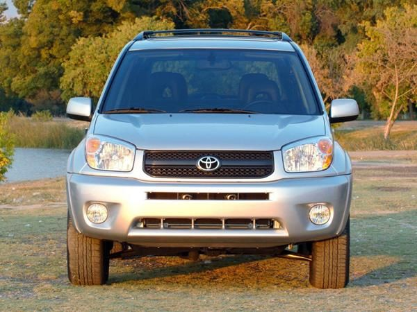 The Toyota RAV4 2005 frontal look