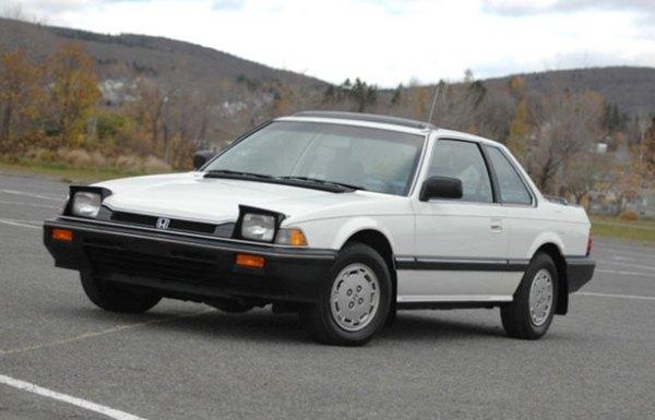 Angular front of a Honda Accord