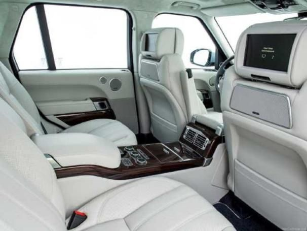 Land Rover Vogue's interior