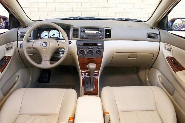 Toyota Corolla 2004 interior