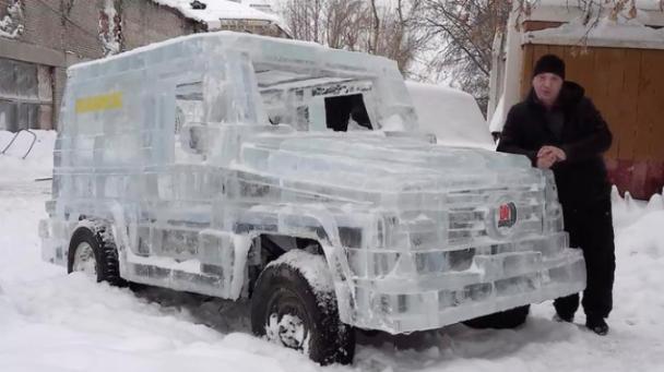 Barashenko stands by his icy Mercedes-Benz G-Wagen