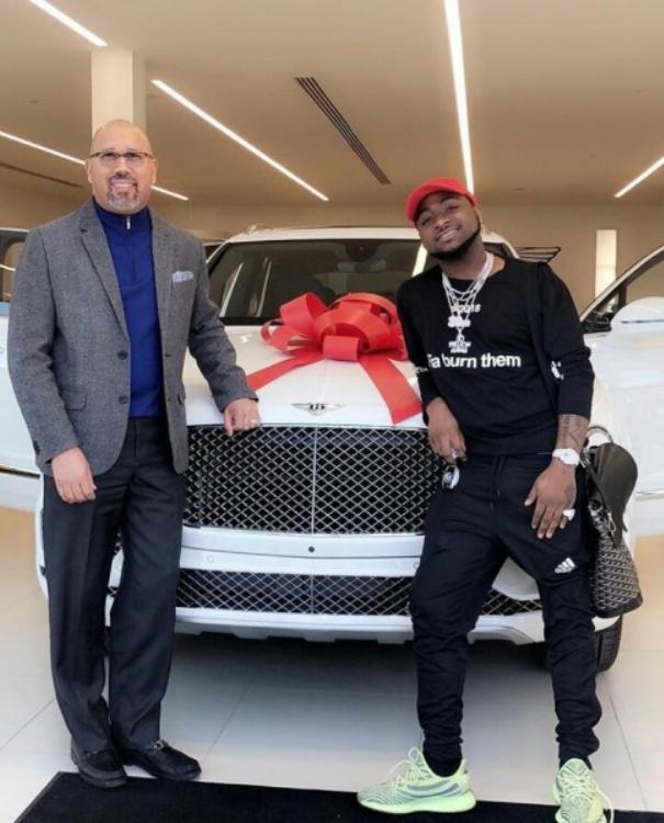 Davido and his newly-bought Bentley Bentyga 2018
