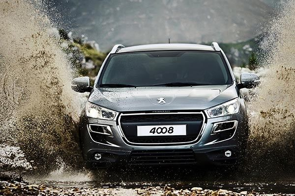 The Peugeot 4008 SUV front view