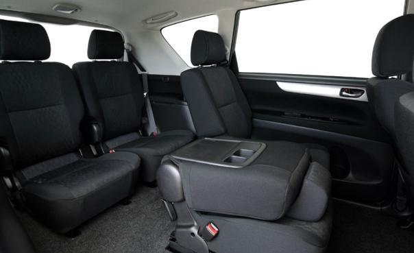 Toyota Picnic 2005 interior