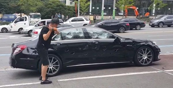 the frustrated A-Class owner smashed his car with his golf club by himself
