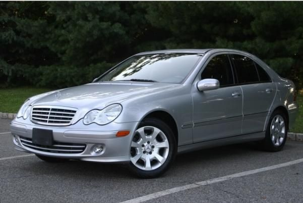 2005 Mercedes-Benz C240 4matic angular front