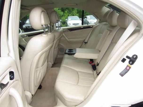 2005 Mercedes-Benz C240 4matic seating
