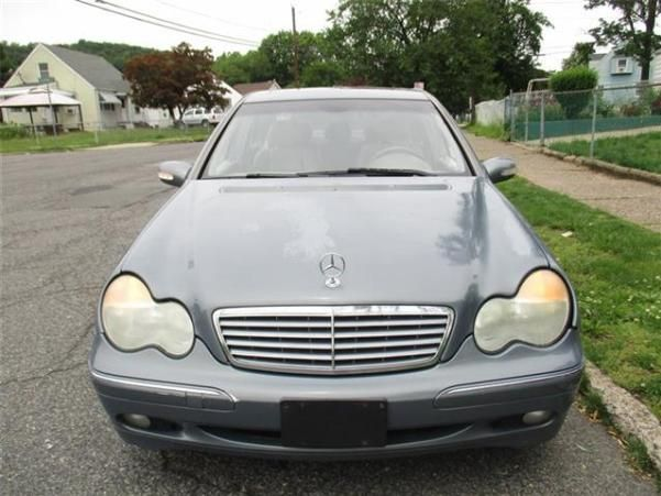 Mercedes-Benz C240 2005 front view