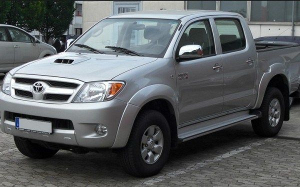 Angular front of a Hilux