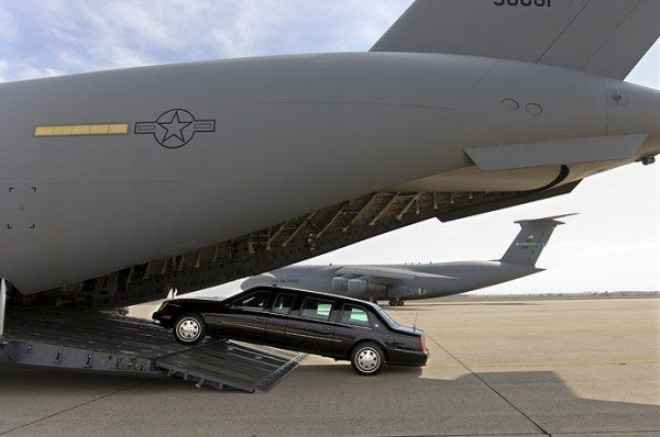 A C-17 Globemaster Transport Airplane carries the Beast of the President