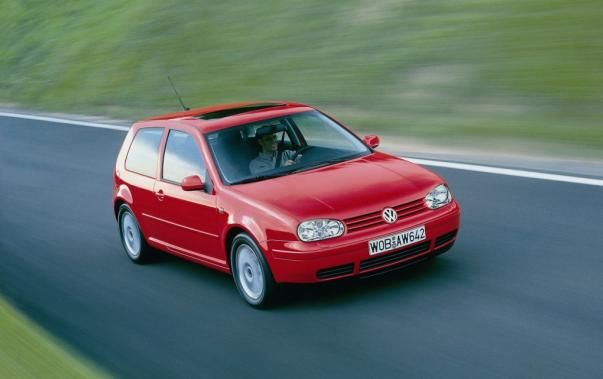 Volkswagen Golf 3 2002 on the road