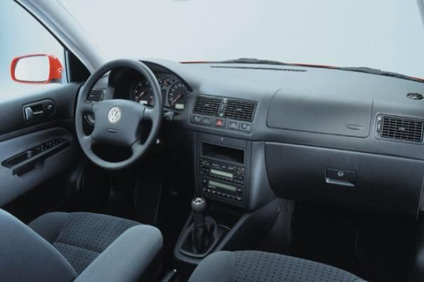 Volkswagen Golf 3 2002 interior