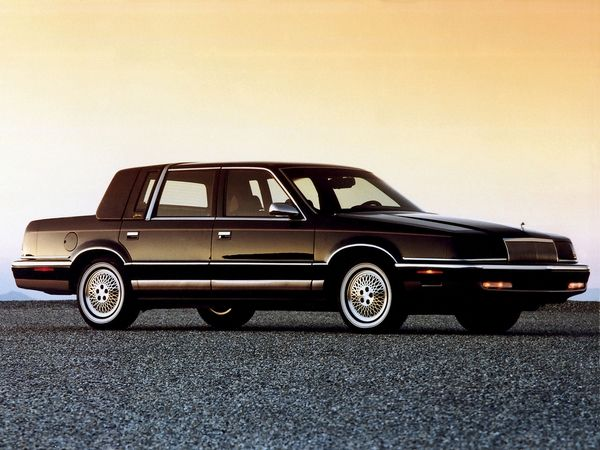 Chrysler New Yorker 1993 side view