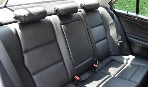 Mercedes-Benz C230 2007 seating